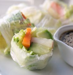 Fresh Vegan with Peanut Dipping Sauce - These Vietnamese-style spring rolls are are packed with nutritious and uses alfalfa as a low-calorie option to noodles. Served with a creamy dipping sauce. They are also vegan, gluten-free and completely healthy Delicious Vegan Recipes, Raw Food Recipes, Veggie Recipes, Indian Food Recipes, Healthy Recipes, Vegan Gluten Free, Vegan Vegetarian, Vegetarian Recipes, Vegan Blogs