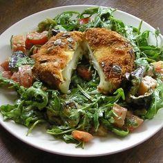 Zöldfűszeres saláta tökmagbundás camembert-rel Recept képpel - Mindmegette.hu - Receptek