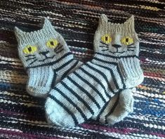 Crochet Patterns Mittens After Christmas, the needle has been wearing the Anelmaiset. First sock I got ready . Baby Booties Knitting Pattern, Crochet Cat Pattern, Baby Knitting Patterns, Knit Crochet, Crochet Patterns, Knitted Slippers, Knit Mittens, Knitting Socks, Knitting For Kids