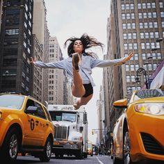 Omar Roble é um fotógrafo incrível que criou uma série fotográfica de bailarinos da American Ballet Theatre e The Dance Theatre of Harlem nas ruas de Nova