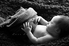 Baby Photographer Columbus Ohio, black and white, baby wrapping, newborn wrapping ideas, posing ideas, newborn picture ideas, baby, photo, posing, pure, simple,
