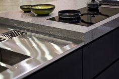 The world's first quartz surfaces designed by Cosentino® for kitchen countertops, sinks, bathroom and more. Cream Kitchen Cupboards, Kitchen Countertops, Kitchen Appliances, Surface Design, Cool Kitchens, Stove, Chrome, Inspiration, Moving Forward