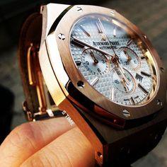 """좋아요 165개, 댓글 3개 - Instagram의 S-TIME 에스타임(@stimekr)님: """"이런각은 정말이지... 아~ 감동이다 ⌚😍 . . #stime #ap #audemarspiguet #royaloak #watch #watches #luxury…"""""""