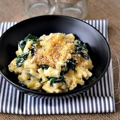 Stove Top Macaroni & Cheese with Kale - there's always a room for vegetables in comfort food. #foodgawker