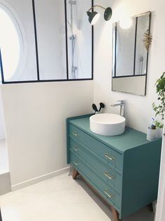 Polished concrete for the renovation of our lavatory Barnabas have Bathroom Renovations, Home Remodeling, Used Cabinets, Small Basements, Polished Concrete, Basement Bathroom, White Bathroom, Atelier Home, Home Furniture