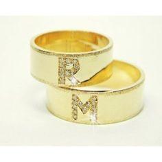 fotos de alianças de casamento de ouro com diamantes