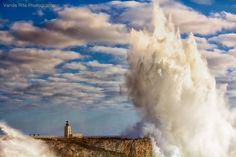 Big Waves in Sagres, Jan 2014 - Algarve - Portugal Photo by Vanda Rita Oliveira -- National Geographic Your Shot Albufeira Portugal, Big Waves, Giant Waves, Portugal Travel, World Of Color, National Geographic Photos, Belle Photo, Beautiful Landscapes, Places To See