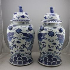 1671 a pair of beautiful Chinese blue-and-white dragons pattern porcelain pot (painting inspiration)