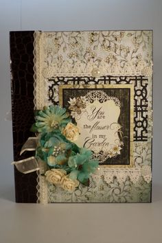 "TPHH SHELLIE - DELUXE 8-1/2 X 6-3/4 ""PREMADE SCRAPBOOK ALBUM"