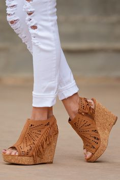 Fringe Delight Wedge - Tan
