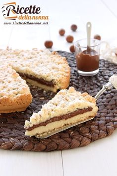 Foto sbriciolata alla Nutella Hot Chocolate Gifts, Chocolate World, My Dessert, Dessert Recipes, Biscotti, Crostata Recipe, E Recipe, Le Diner, Almond Cakes