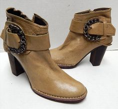 64.99$  Watch here - http://viaxa.justgood.pw/vig/item.php?t=rfy1a50620 - Apepazza Beige Leather Silver Chain Ankle Boots 6.5 M 64.99$