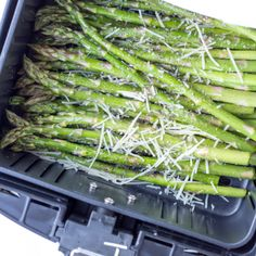 Air Fryer Garlic Parmesan Asparagus is made with fresh garlic, Parmesan cheese, lemon juice, olive oil, salt and ground pepper in a short 10 minutes in the air fryer for an easy side dish you can do with any entree. Parmesan Asparagus, How To Cook Asparagus, Garlic Parmesan, Asparagus Recipe, Garlic Aioli, Air Fryer Oven Recipes, Air Frier Recipes, Air Fryer Dinner Recipes, Air Fryer Baked Potato