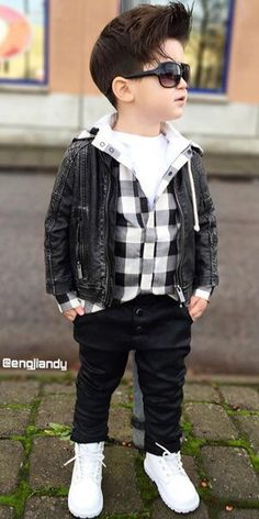Boys out fit Toddler Boy Fashion, Little Boy Fashion, Little Boy Outfits, Cute Outfits For Kids, Baby & Toddler Clothing, Baby Boy Outfits, Toddler Boys, Kids Girls, Baby Boy Dress