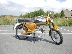 Zündapp 517 Goudhaan Vespa Girl, Cars And Motorcycles, Motorbikes, Vehicles, Memories, Design, Antique Cars, Memoirs, Souvenirs