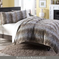 The Kasbah duvet cover set by Michael Amini Bedding features a thick and soft textured fabric. Use it alone or pair it with other accent pieces to create your own luxurious bedding set.
