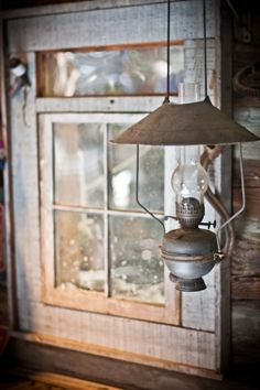 FARMHOUSE – INTERIOR – early american decor inside this vintage farmhouse seems perfect.