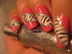 Nail Addict: Pinkki seepra