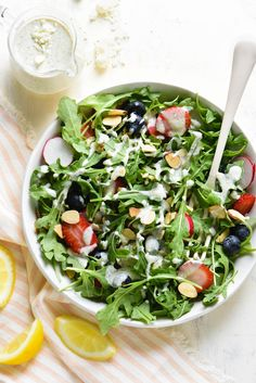 Jul 2019 - Take your salad game up a notch with this quick and easy homemade Creamy Lemon Feta Dressing. Use it to for greens, pasta salad, chicken, or as a dip. Pasta Salad Recipes, Healthy Salad Recipes, Healthy Food, Recipe Using Feta Cheese, Easy Salads, Easy Meals, Big Salads, Lemon Smoothie, Photo Food