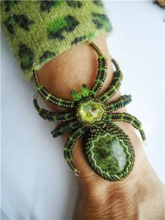 Fantastic Beaded Spider Bracelet - Mortira vanPelt - Google+