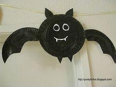 Paper plate bat,black cat, pumpkin, owl, spider and the friendliest ghost you've ever seen! Cute, cute, cute.