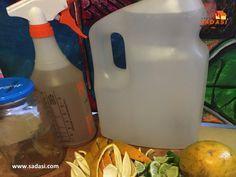 #hogar LAS MEJORES CASAS DE MÉXICO. ¿Cómo hacer un desengrasante natural para casa? Necesita 2 tazas de agua tibia, 2 cucharaditas de jabón de castilla, 2 cucharadas de bicarbonato de sodio y 20 gotas de aceite esencial de limón. Para prepararlo, sólo necesita agregar todos los ingredientes y agitar hasta que se forme una mezcla homogénea. En Grupo Sadasi, le invitamos a conocer nuestros esquemas de crédito para que adquiera su casa en nuestros desarrollos. raguzmanr@sadasi.com