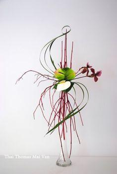 L'art floral japonais Ikebana, Thai Thomas Mai Van l'a dans la peau.