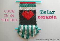 Tapiz para San Valentín / Valentine's day weaving loom www.manualidadesytendencias.com #diy #telar #weaving #SanValentín #Valantinesday #Valentín #Valentine #lana #tisser #wall #art Love Craft, Lana, Christmas Stockings, Weaving, Diy Crafts, Holiday Decor, Projects, Gifts, Ideas Para