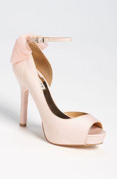 fbf1f36570cc Badgley Mischka blush pumps Pink Shoes