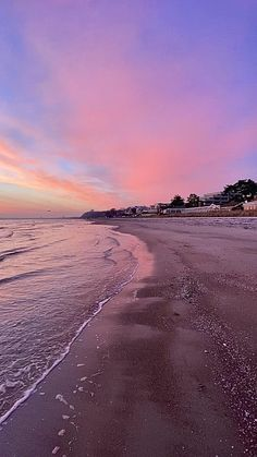 Beach Sunset Photography, Waves Photography, Pastel Sunset, Sunset Sea, Aesthetic Photography Nature, Nature Photography, Sea Video, Beach Sunset Wallpaper, Amazing Places On Earth