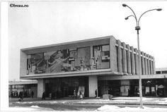 """Cinematograful Țiglina I, 1968, Galați, România. Imagine din colecțiile Bibliotecii """"V.A. Urechia"""" Galați. Old Pictures, San Francisco Ferry, Antique Photos, Old Photos"""