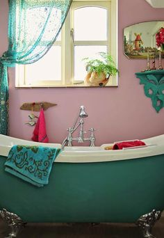 Teal and pink. My perfect bathroom! Janice Issitt Life Style: Chalk it up ! Annie Sloan Paint Colors, Annie Sloan Paints, Bohemian Decor, Boho, Bath Paint, Dream Bath, Chalk It Up, Teal And Pink, Colour Schemes