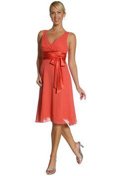Classic sleeveless v-neckline short bridesmaid dress with bow.