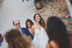 Χτένισμα νύφης με μακριά μαλλιά μαζεμένα στο πλάι