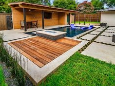 Riverbend Sandler Pools offers Geometric Pool Designs Dallas, Frisco and surrounding areas that homeowners can be proud of. Backyard Pool Landscaping, Backyard Pool Designs, Small Backyard Pools, Swimming Pools Backyard, Pool Spa, Small Pool Design, Modern Pools, Pool Builders, Dream Pools