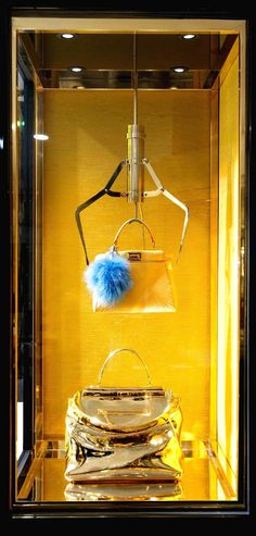 Fendi Display, Tokyo / House of Beccaria Window Display Retail, Retail Windows, Store Windows, Visual Merchandising Displays, Visual Display, Propaganda Visual, Vitrine Design, Window Display Design, Fashion Window Display