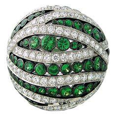 1stdibs.com | Asprey Gold Diamond Tsavorite Ring - Metal 18k White Gold; Diamonds - Approx. 3.47ctw Tsavorite - 2.98ctw