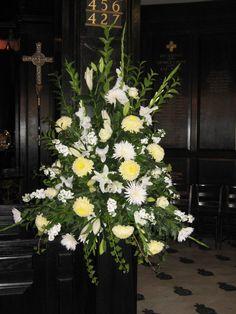Oversized pedestal arrangement - St Clements Church, London