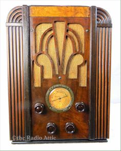 Atwater Kent 356 tombstone (1935) Antique radio with mini-jack connector