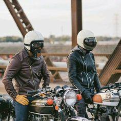 Echte vrienden hebben dezelfde helm.