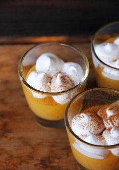 Suspiro Limeño - Sign Tutorial and Ideas Peruvian Desserts, Peruvian Cuisine, Peruvian Recipes, Cold Desserts, Easy Desserts, Delicious Desserts, Bakery Recipes, Cooking Recipes, Latin American Food