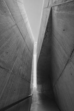 1X - Between two Worlds by Filipe P Neto