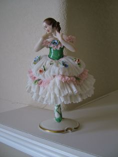 Antique German DRESDEN Porcelain BALLERINA DANCING Figurine