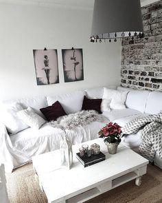 Ein Gemütliches Sofa, Kuschelige Kissen Wie Das Leinenkissen Hannelin, Ein  Flauschiges Fell, Ein