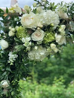 White and green wedding flowers. Outdoor Ceremony at private home in Stowe, Vermont - Floral Artistry White Wedding Flowers, Green Wedding, Wedding Day, Fresh Flowers, Beautiful Flowers, Wedding Planning Tips, Outdoor Ceremony, Plant Decor, Flower Designs