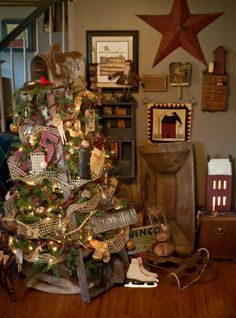 Primitive Ladder. Christmas tree. So doing this!