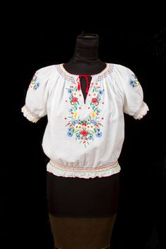 1930's Blouse // Hungarian Multi Color Embroidered Peasant Blouse