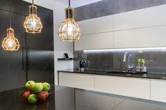 moderni keittiö - Google-haku Ceiling Lights, Interior Design, Google, Home Decor, Trendy Tree, Nest Design, Decoration Home, Home Interior Design, Room Decor