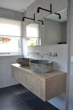U zoekt een op maat gemaakt landelijk badkamermeubel? Small Bathroom Storage, Bathroom Design Small, Simple Bathroom, Bathroom Interior Design, Modern Bathroom, Bathroom Toilets, Bathroom Renos, Bathroom Furniture, Bathroom Ideas