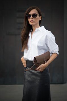 Pin for Later: 13 Vêtements Indémodables Que Toutes les Femmes Devraient Avoir Dans Leur Placard Un Chemisier Blanc
